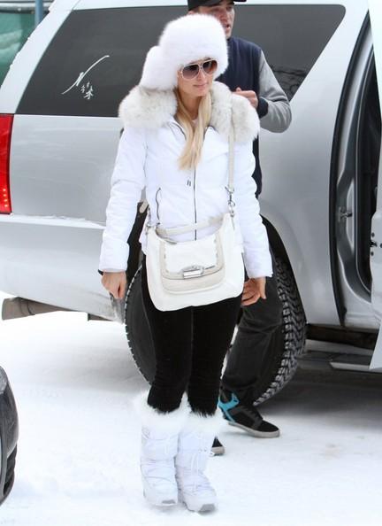 1d98d00981 Paris Hilton goes Snow White! Looks Perfect at the Ski Track ...