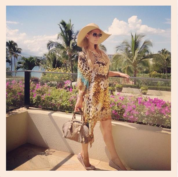 0513_Paris_Hilton_Handbag_SS13_NeonStar_Maui_Instagram
